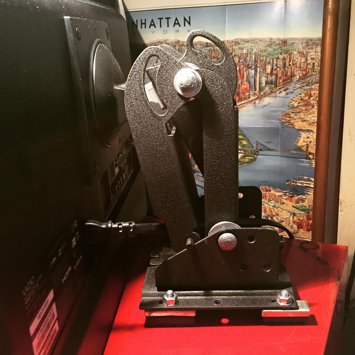 tv-monitor-mount-6