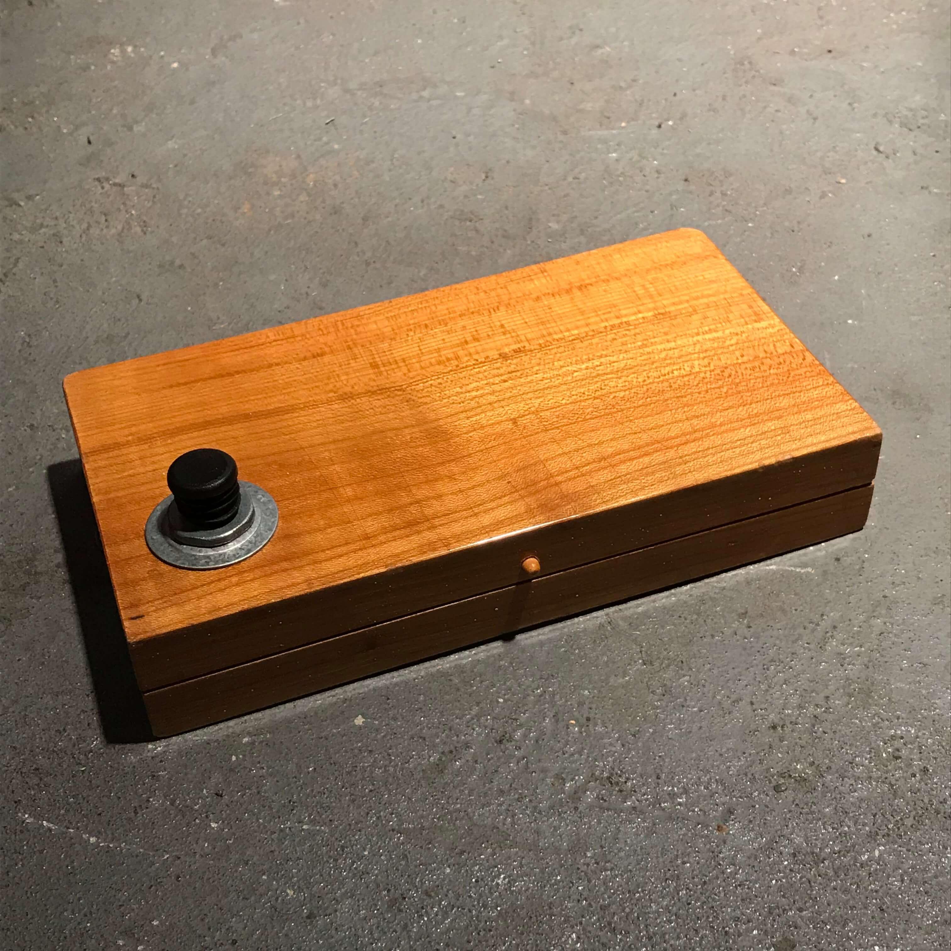 wood-box-socket-case-5